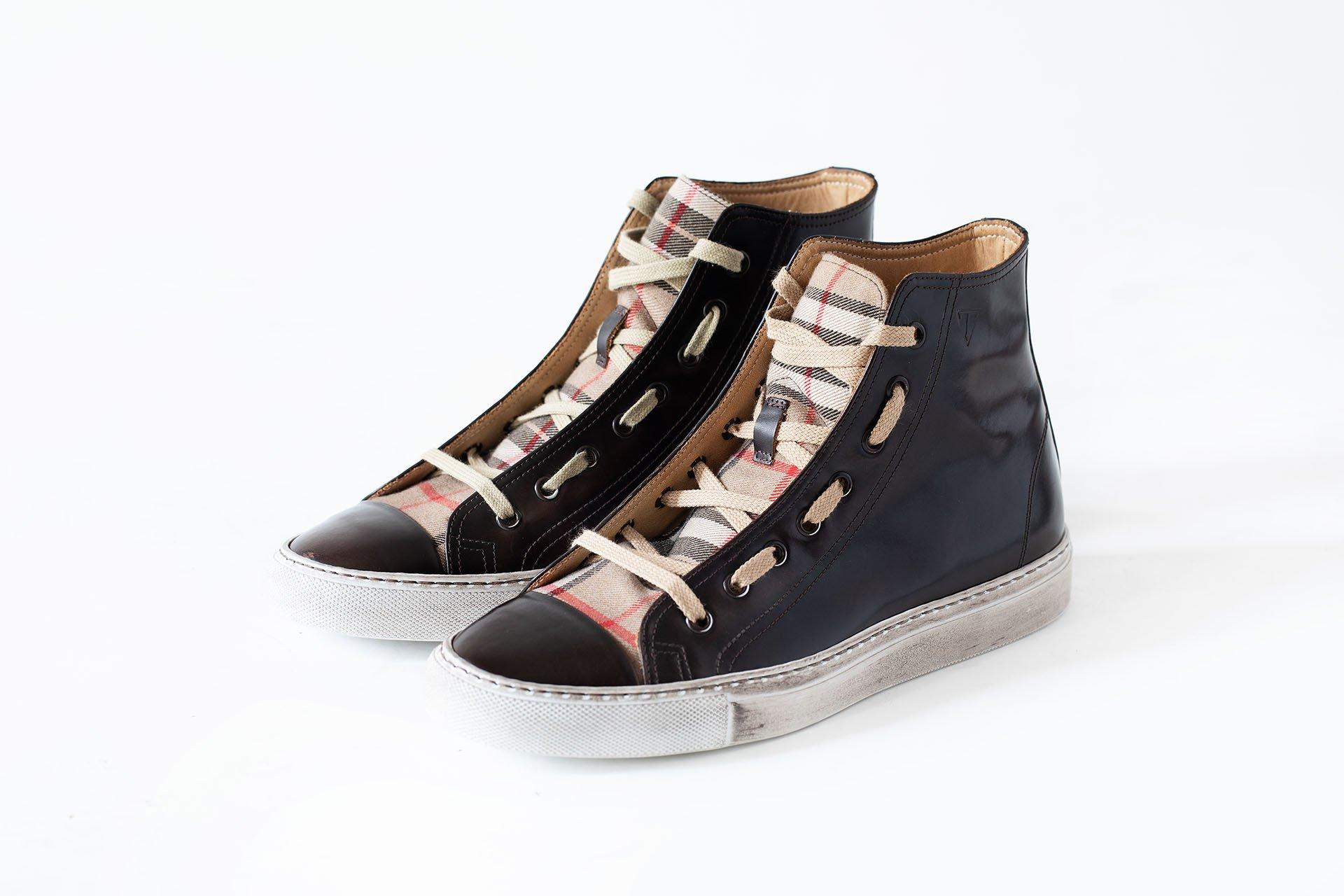 Sneakers-alto-tessuto-microfibra-marrone-A1