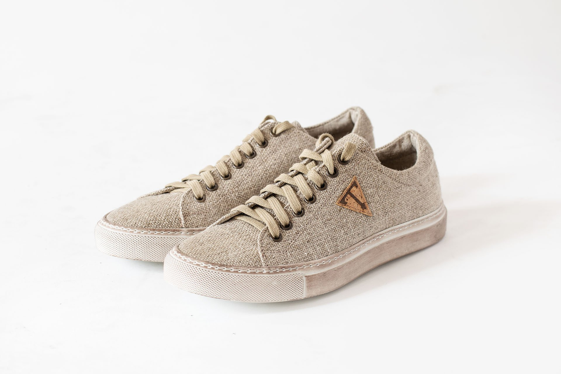 Sneakers-basso-canapa-naturale-A1