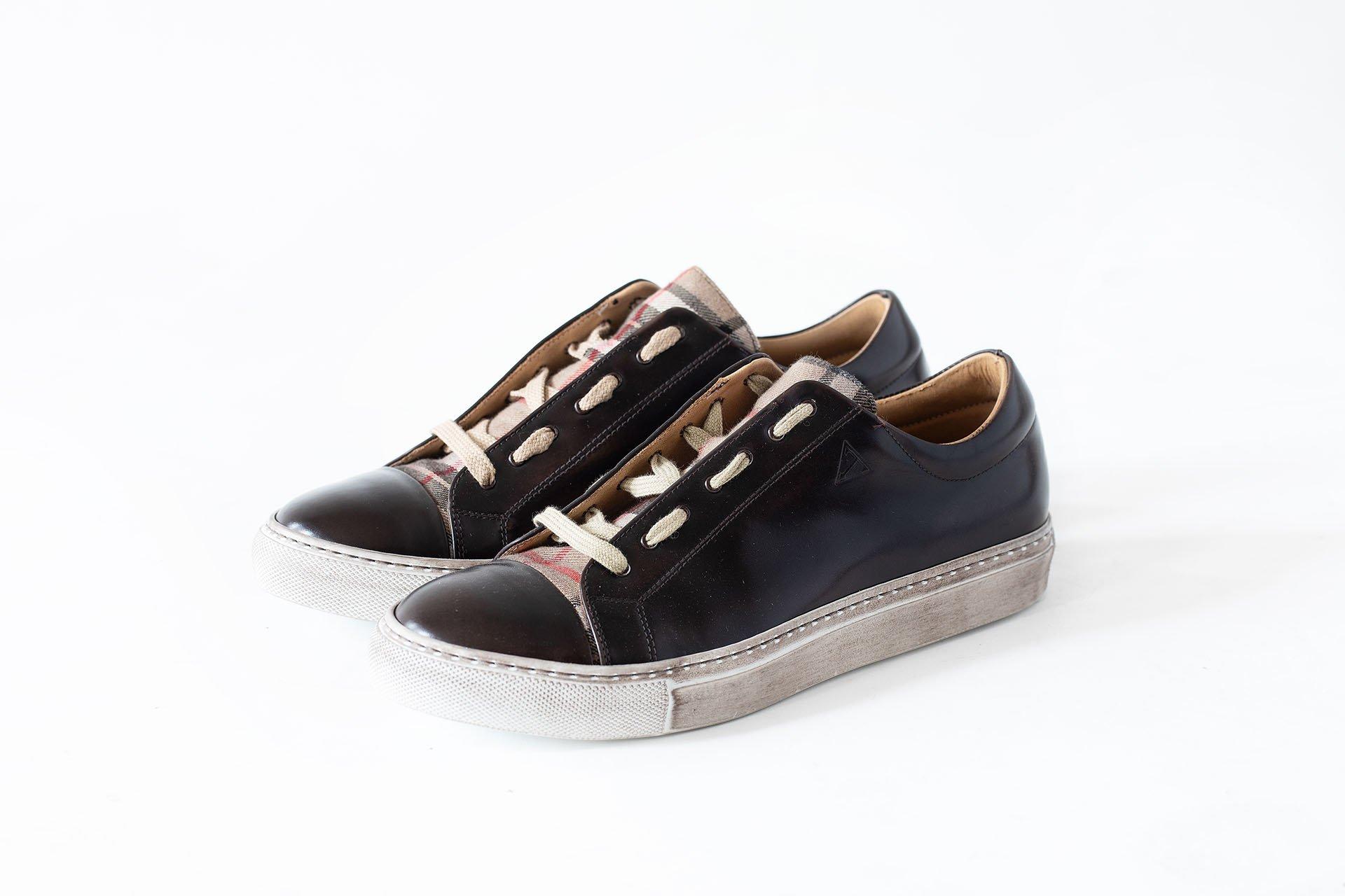 Sneakers-basso-tessuto-microfibra-marrone-A1